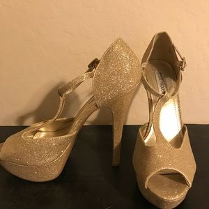 Gold Steve Madden Pumps